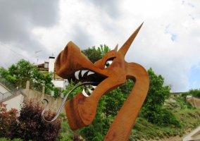 Cabeza de dragón de forja