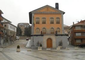 Casa el robledal casas rurales en las navas del marques vila - Casa rural las navas del marques ...