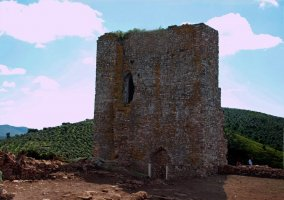 Castillo el Cuerno en Fuentes de León