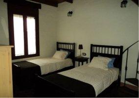 Dormitorio doble de la casa rural.
