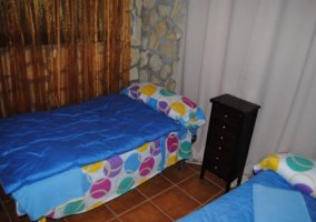 Dormitorio doble en color azul