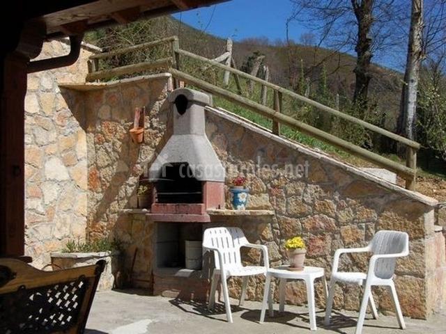 Casa rural el esguil en celango asturias - Patios con barbacoa ...