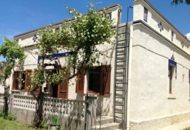 Casa Familiar Noucentista - Sant Marti Sarroca, Barcelona
