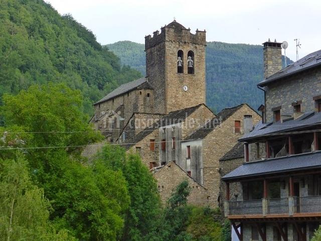 La iglesia de San Pedro en Broto