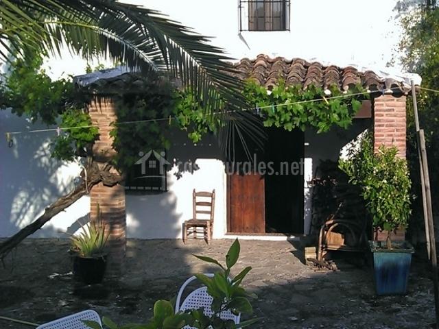Casa rural huerta la terrona en grazalema c diz - Patios rurales ...