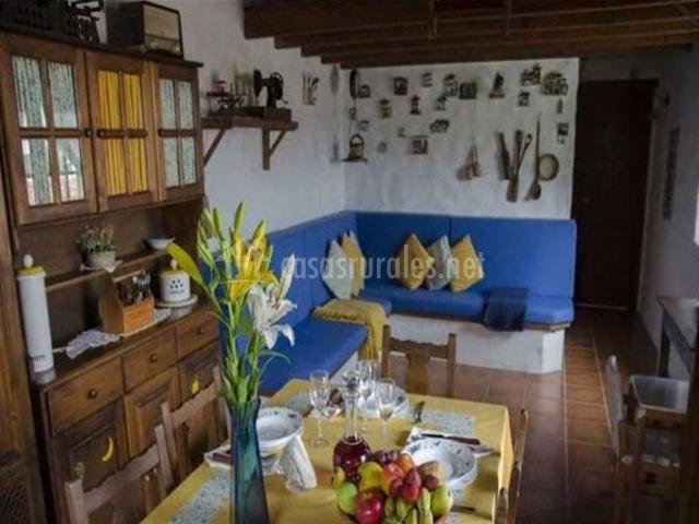 Casa rural la cuna en erjos tenerife - Casas rurales decoracion interior ...