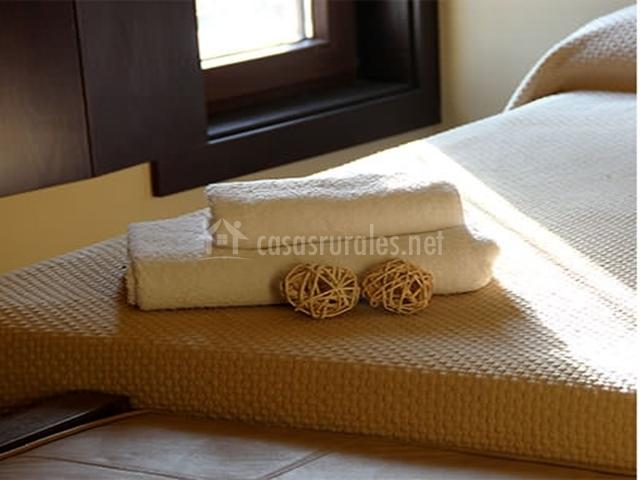 Detalle decoración y toallas