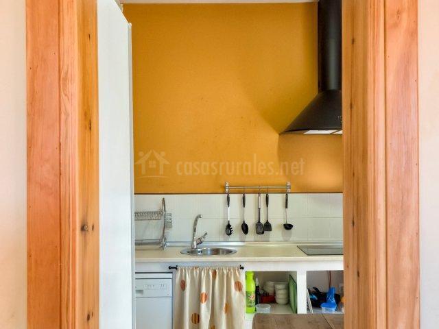 Pasillo con vistas a la cocina
