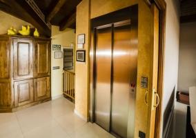 Ascensor de acceso a la planta superior de la vivienda