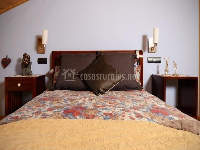 Dormitorio de matrimonio luminoso