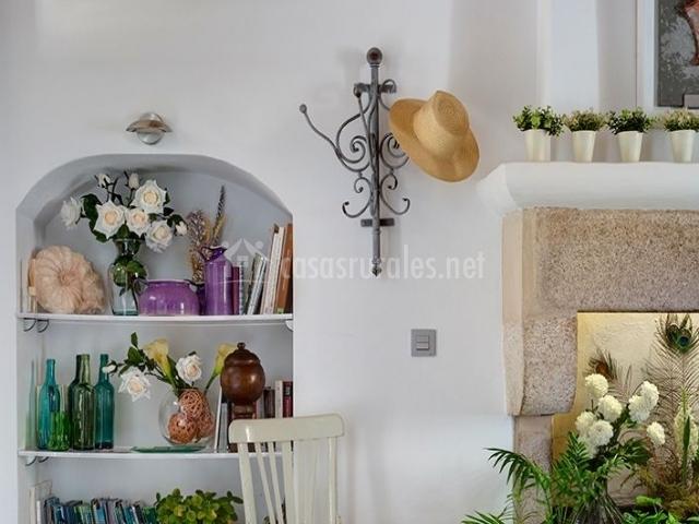 Casa rural el port n en aldeacentenera c ceres - Estanterias de obra para salon ...