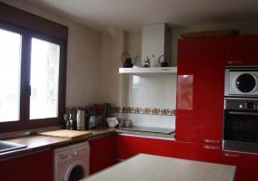 Cocina en rojos