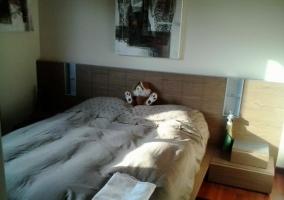 Dormitorio en tonos marrones
