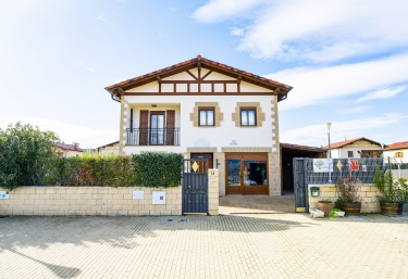 Los Olivos - Olite, Navarre