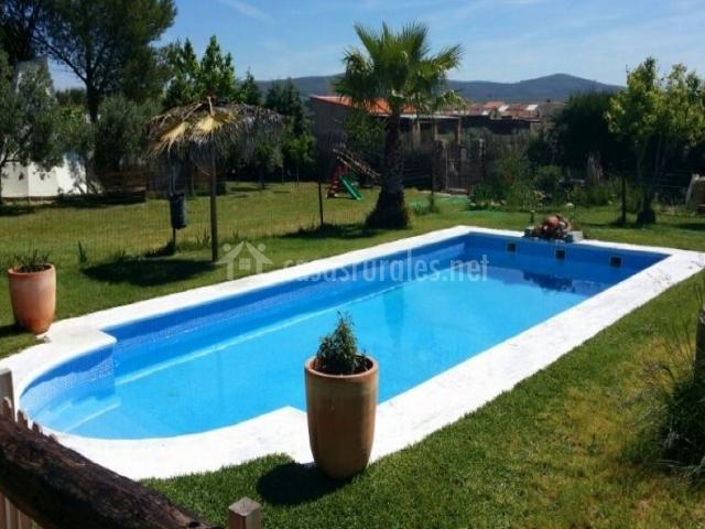 Casa rural parque natural de cornalvo en mirandilla badajoz for Casas rurales en badajoz con piscina