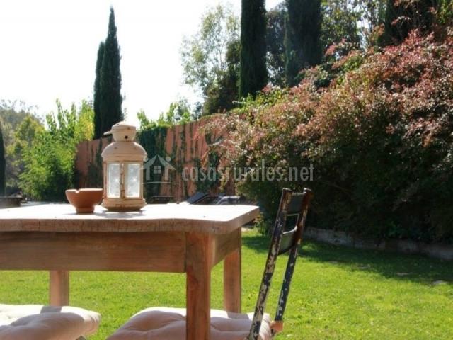 Hostal la lolita en sant marti vell girona for Mesa porche