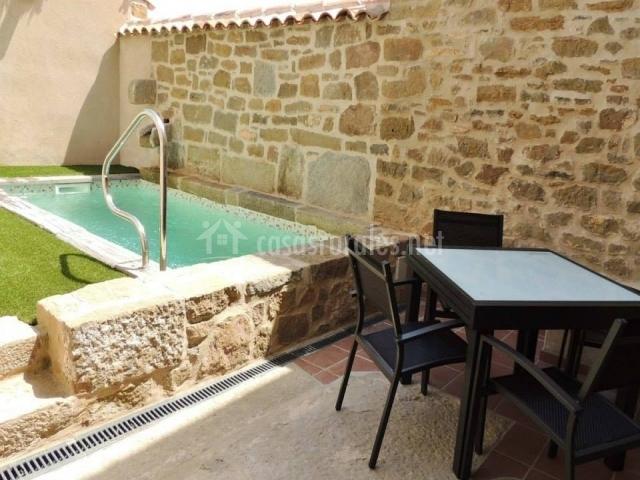 Cal farris casas rurales en osso de sio lleida - Casas rurales lleida piscina ...