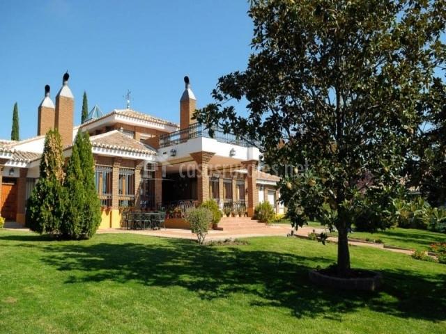 Jardín y la casa