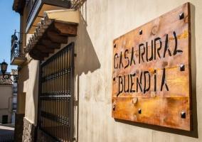 Entrada a la casa Buendía