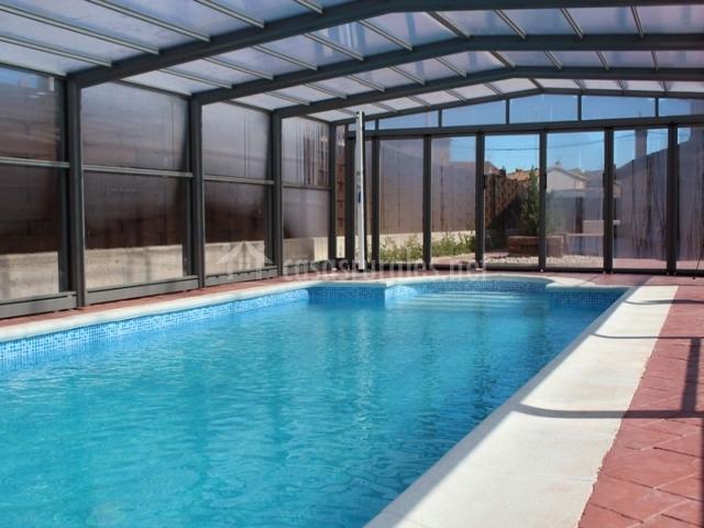 Casa rural la fragua en santa maria del campo burgos for Entrada piscina
