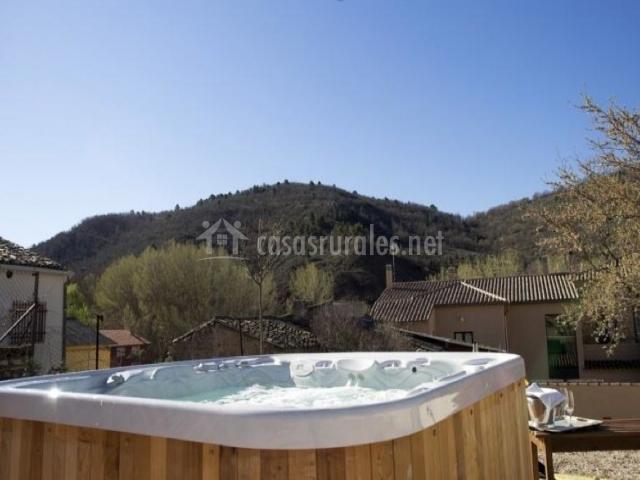 Torre maestre hoteles rurales en villar del maestre cuenca - Jacuzzi aire libre ...