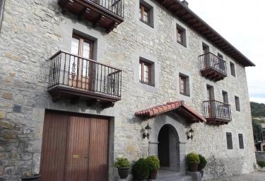 Casa Juliana I - Ustes, Navarra