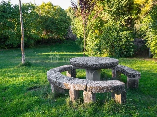 La casa de la huerta del durat n en sep lveda segovia - Mesas de piedra ...