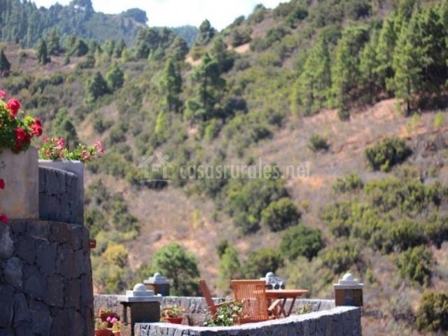 Vistas de la terraza amueblada abierta al entorno