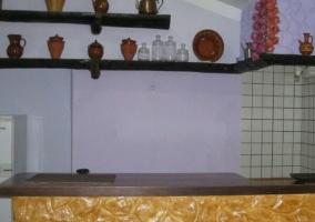 Cocina y mesa para comer