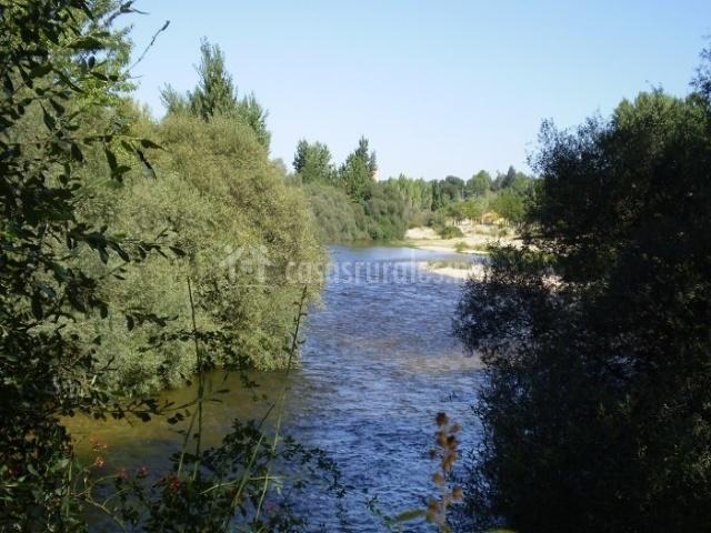 Casa 110 en aldea del fresno madrid for Jardines del alberche