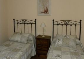 Dormitorio con preciosa cama de matrimonio
