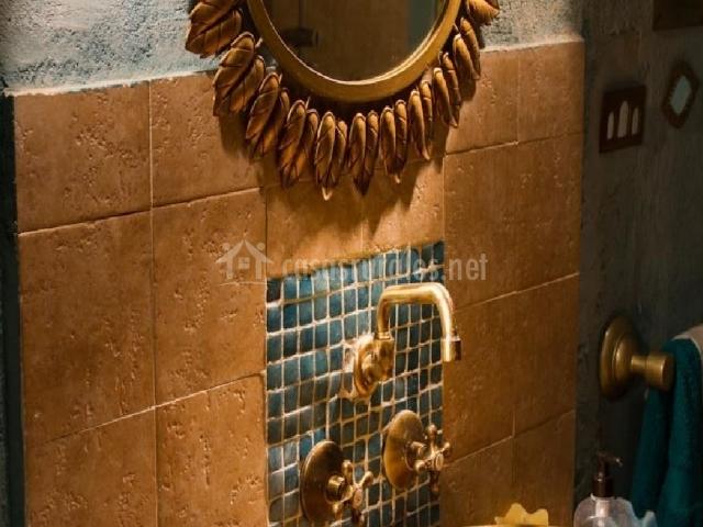 Baño con decoración primera planta