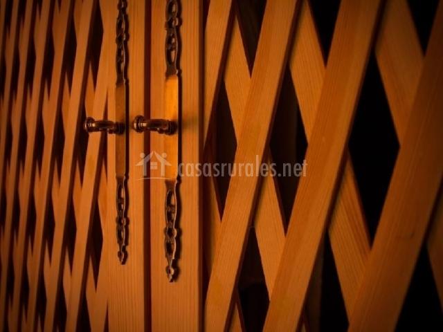 Detalle puerta de madera