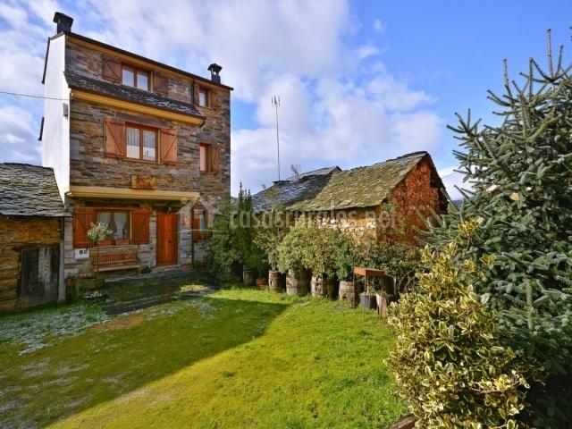 Casa rural el acebo en valle de finolledo le n - Casa rural el jardin ...