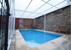 Vistas de la piscina cubierta desde dentro