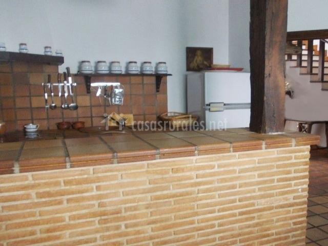 La cancela casa rural en fuente el fresno ciudad real for Azulejo para barra de cocina