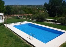 Vistas de la piscina amplia