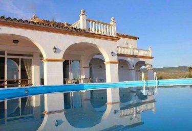Casas rurales con piscina en sierra norte de sevilla for Casas rurales sierra de madrid con piscina