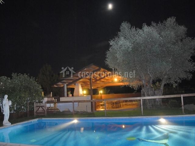 El solei casas rurales en porqueres girona for Casa rural catalunya piscina