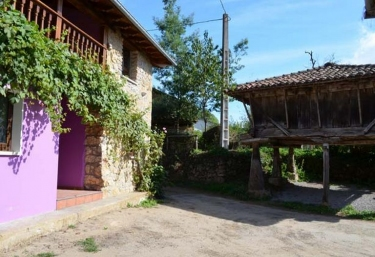 Faidiellu Casa Lila - Infiesto, Asturias