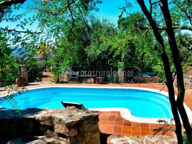 Casa navafr a en montanchez c ceres for Casas con porche y piscina