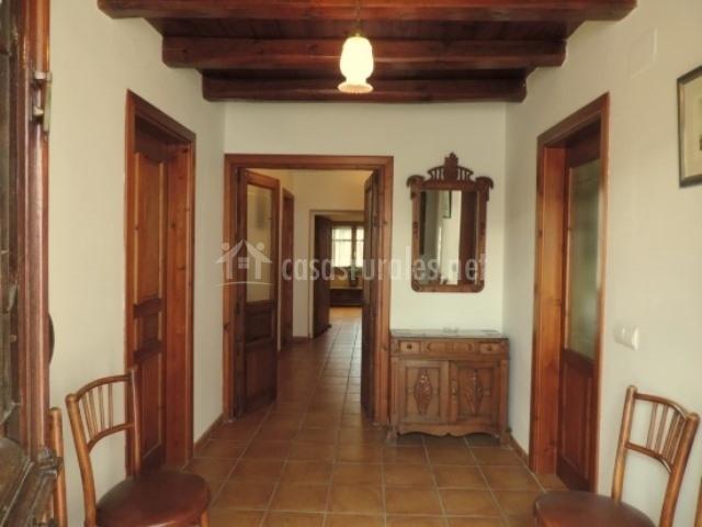 Casa tino en tolocirio segovia - Casas rurales interiores ...