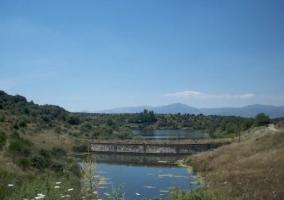 Zonas naturales con el puente