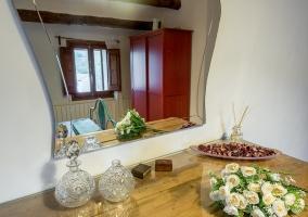 Dormitorio y sus muebles