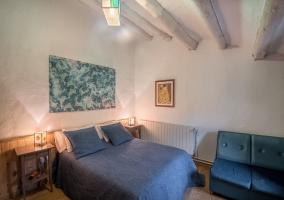 Dormitorio y sillones