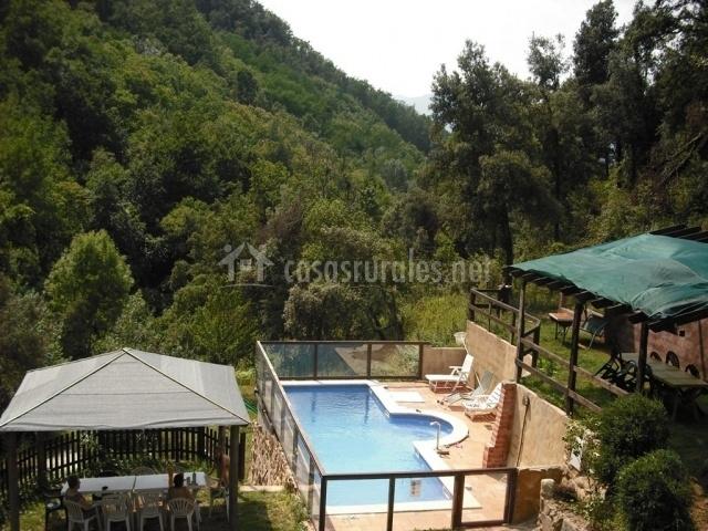 Masia can prim en les preses girona - Alojamiento rural con piscina ...