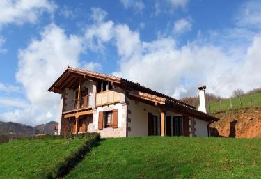 Casa Rural Eguzki - Errazu/erratzu, Navarra