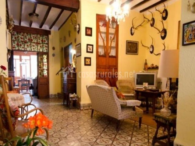 La casella dels valencians en benichembla alicante for Sala de estar oscura