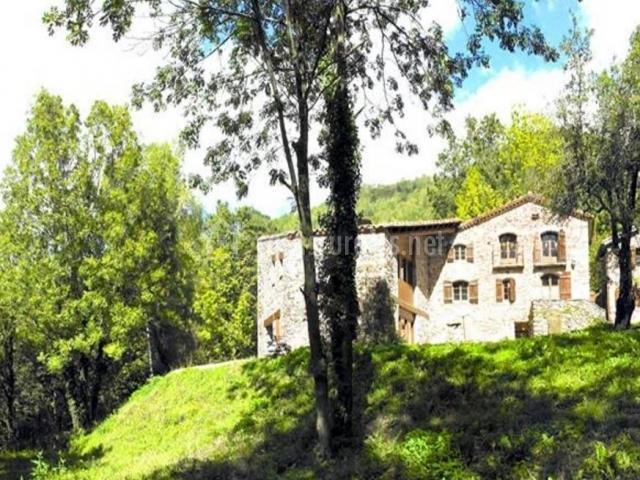 Camprodon casa rural en rocabruna girona for Casa rural jardin del desierto