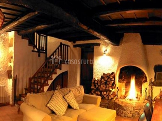 Camprodon casa rural casas rurales en rocabruna girona - Casas rurales con chimenea para dos personas ...